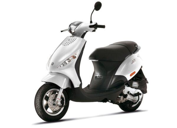 Piaggio Zip 4T Euro 5 (Pre Order nu)